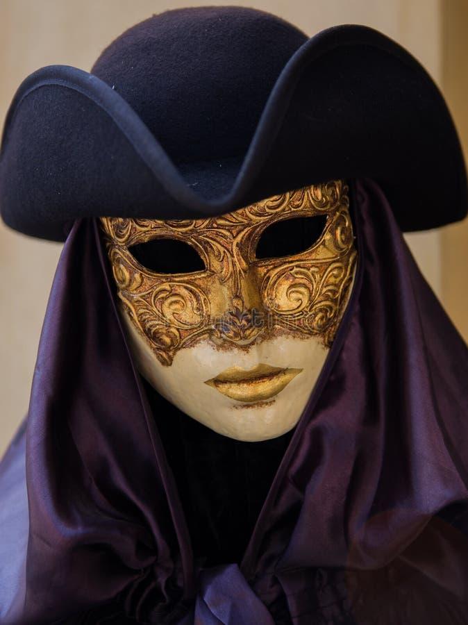 Masque, masque, pourpre, couvre-chef photographie stock libre de droits