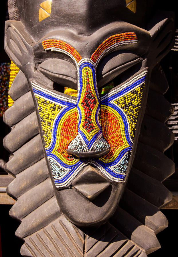 Masque tribal ethnique en bois africain de barbes de rituel photos stock