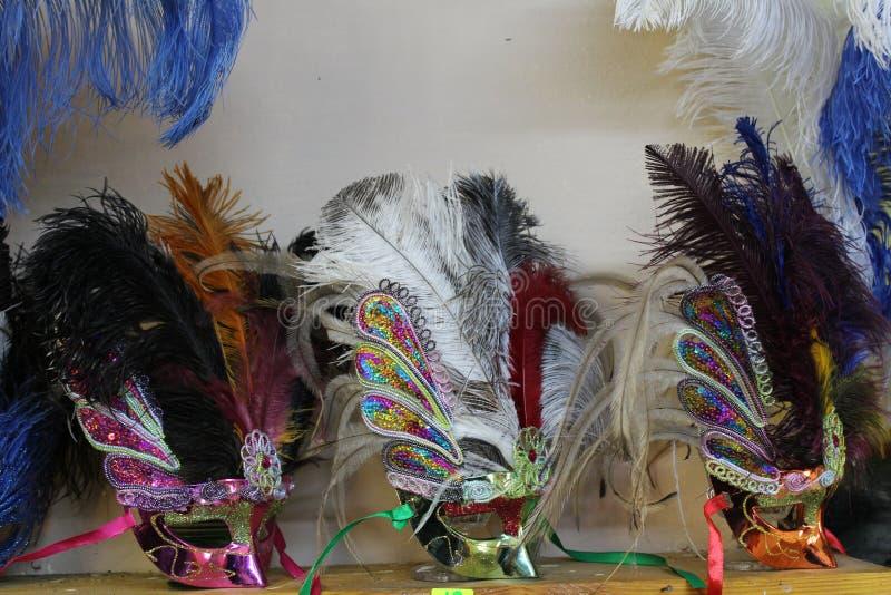 masques faits de plumes d'autruche à partir de la Bulgarie images stock