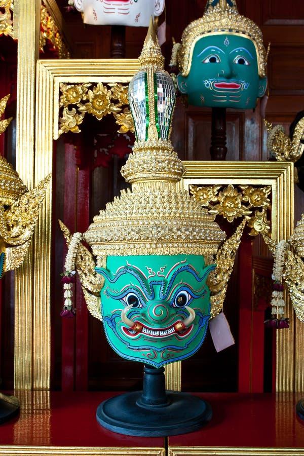 Masques géants portés par des acteurs pour la pantomime, qui est pour le Perfo photos libres de droits