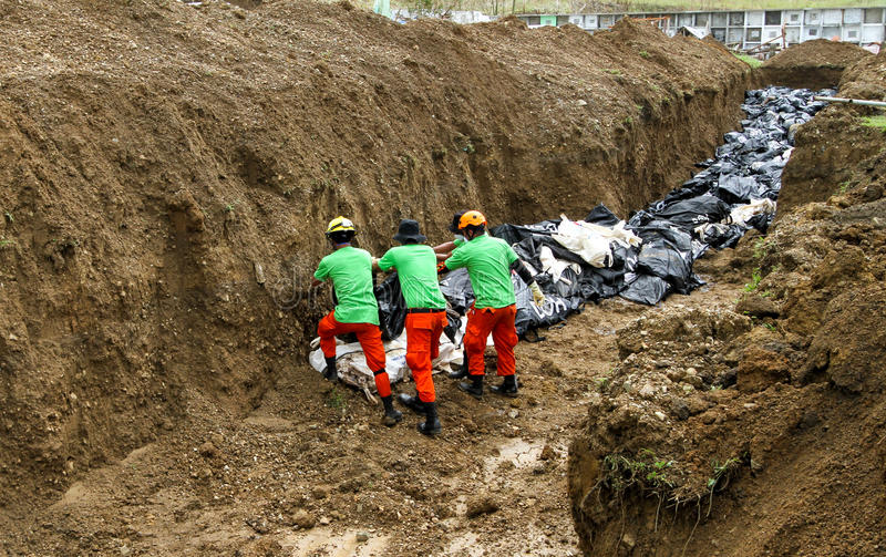 Mass Grave For Victims Of Typhoon Haiyan In Philippines Editorial Stock Photo
