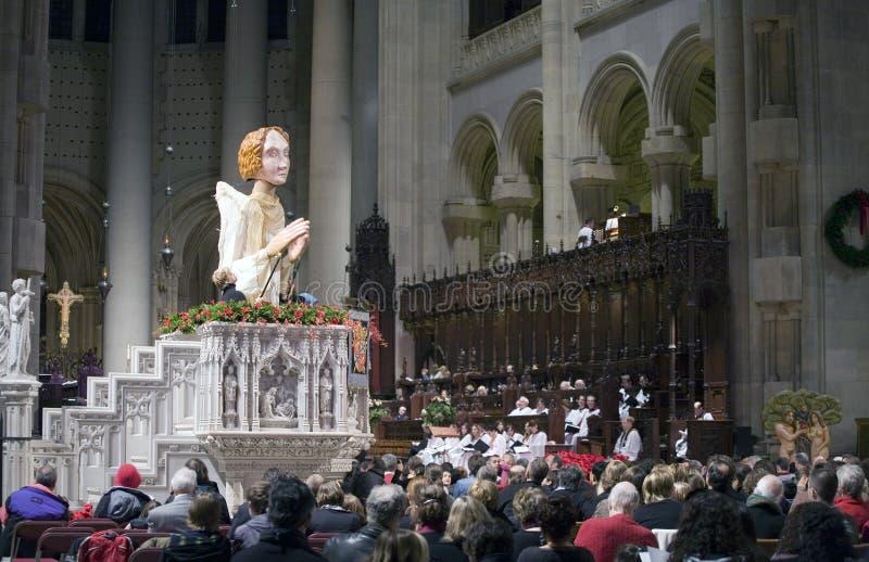 Mass Sanktt John Divinue för jul kyrka royaltyfria bilder