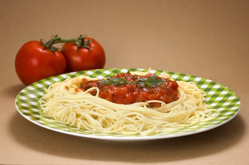 Massa com molho de tomate imagens de stock