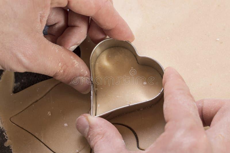 Massa da cookie na forma dos corações fotos de stock royalty free
