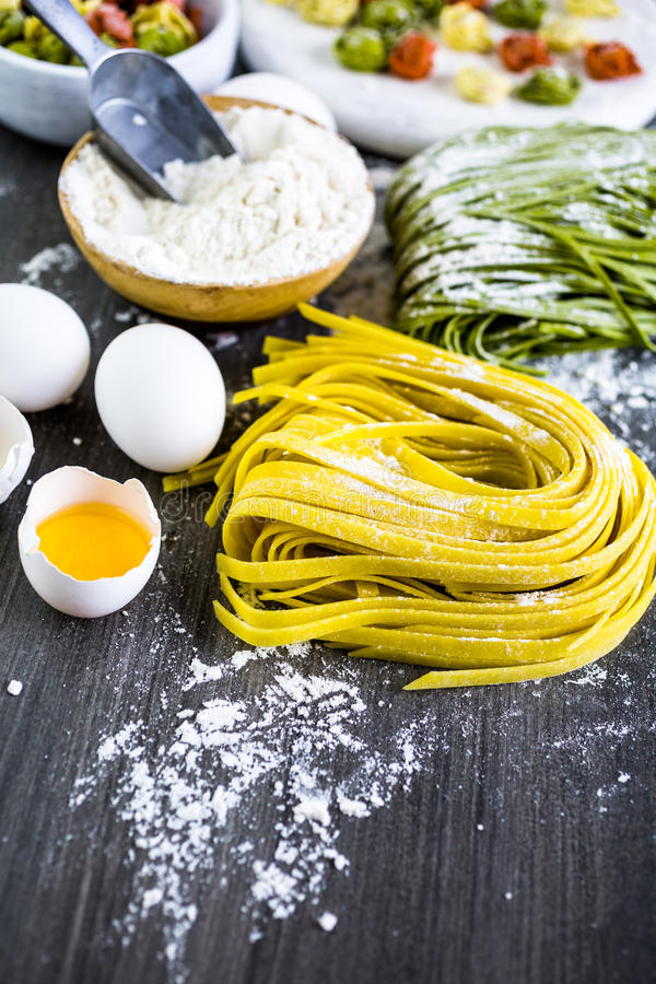 Massa do Linguine imagem de stock royalty free
