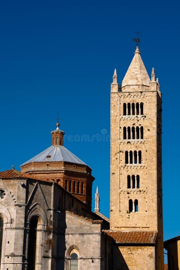 Massa Marittima es una ciudad vieja en el centro Italia imagen de archivo libre de regalías