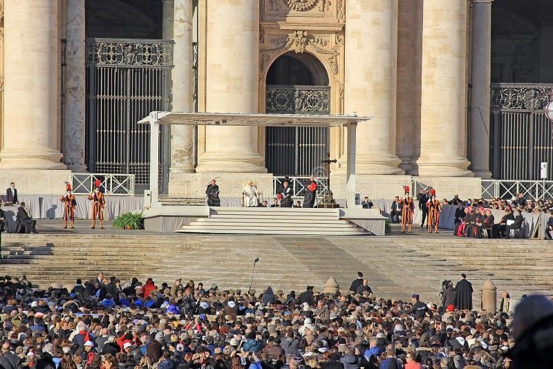 Massa settimanale del papa Francis nel Vaticano immagine stock libera da diritti