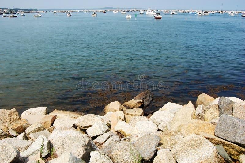 massachusetts plymouth stenig havskust arkivfoton