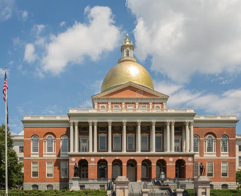 Massachusetts tillståndshus på Boston frihetsslinga royaltyfria foton