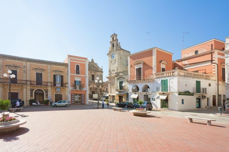 Massafra, Apulia - 31 DE MAIO DE 2017 - mercado histórico dentro do th imagem de stock royalty free
