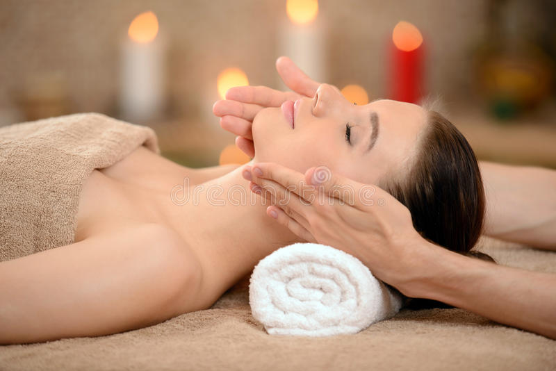 massage stockfotografie