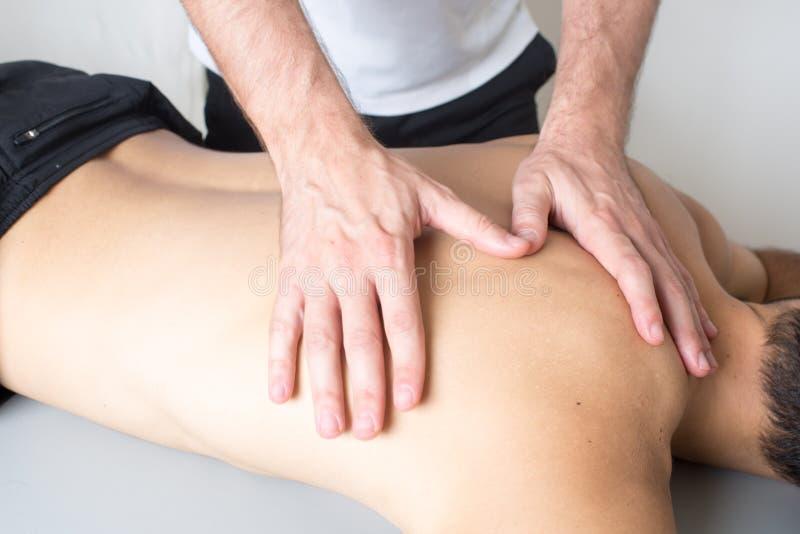 Massage arrière photo libre de droits