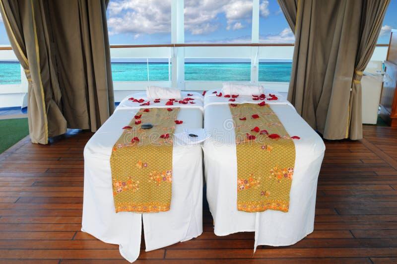 Massage-Betten auf einem Kreuzschiff lizenzfreies stockfoto