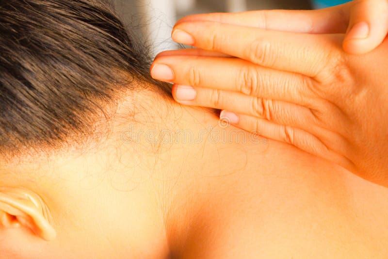 Massage de cou de Reflexology image stock