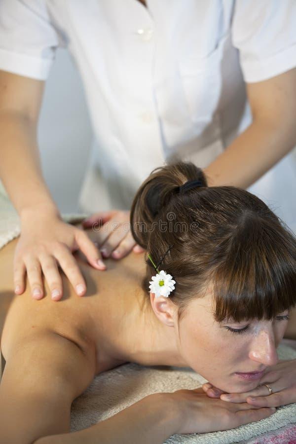 Massage de détente photographie stock