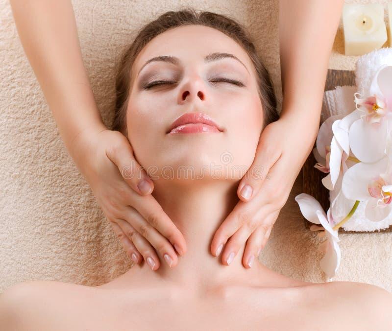 Massage de station thermale photographie stock libre de droits