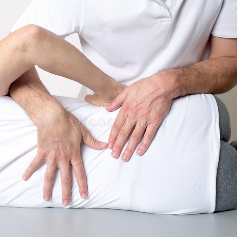 Massage de tissu de muscle photo stock