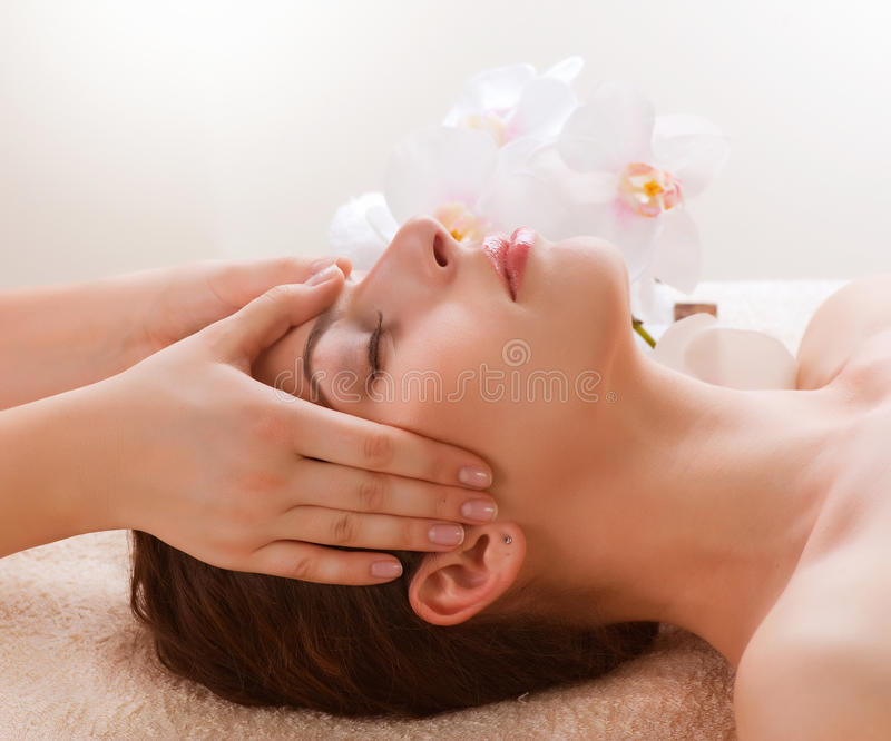 Massage facial photo stock