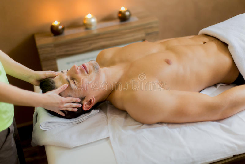 Massage facial images stock