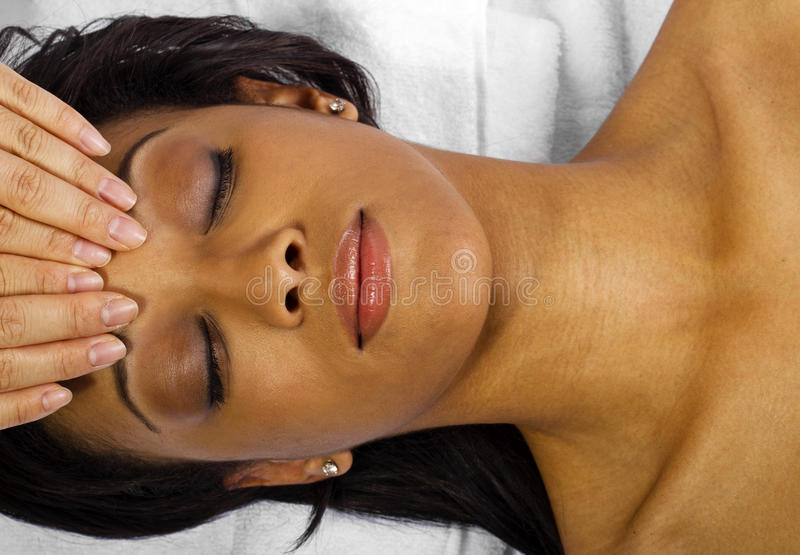 Massage facial/principal photographie stock libre de droits