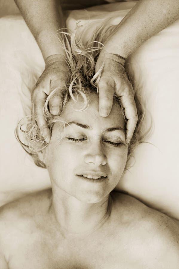 Massagem craniana fotos de stock