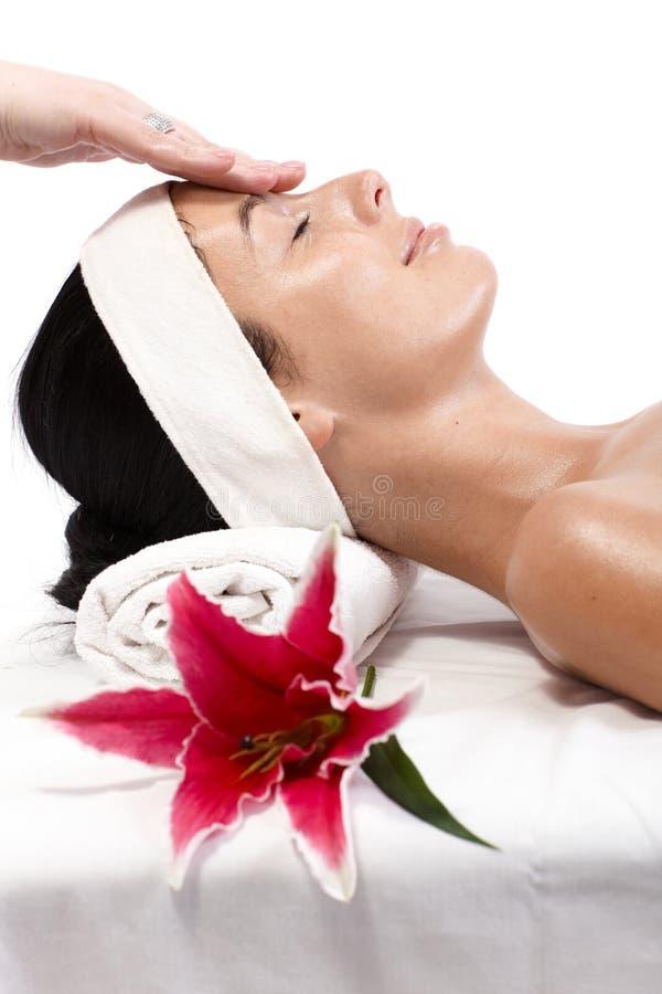 Massagem do facial do close up imagens de stock royalty free