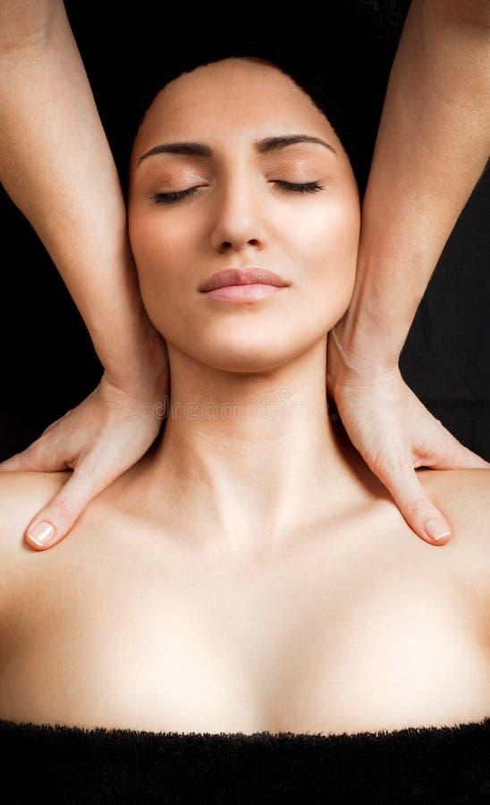 Massagem do ombro imagem de stock royalty free