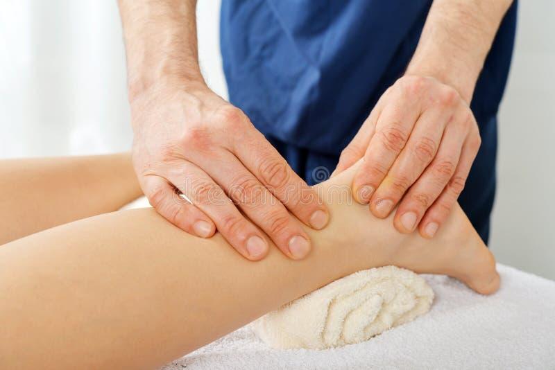 Massagem dos pés imagem de stock