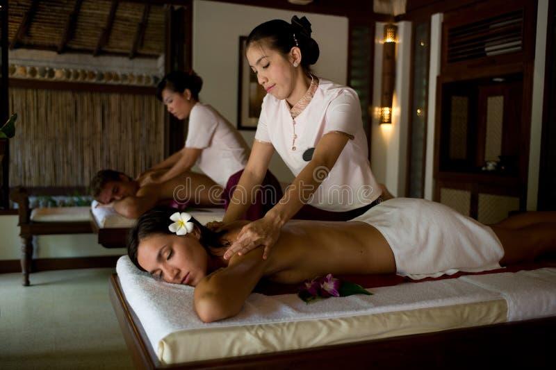 Massagem dos pares foto de stock royalty free