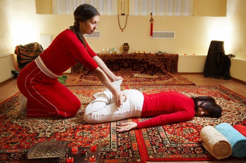 Massagem tailandesa fotos de stock royalty free
