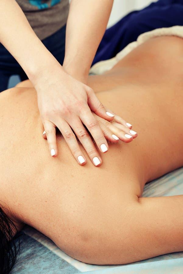Massagem traseira fotografia de stock royalty free
