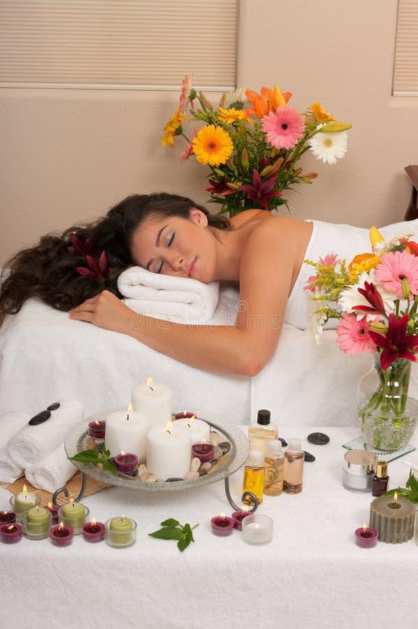 massageskincarebrunnsort royaltyfri fotografi