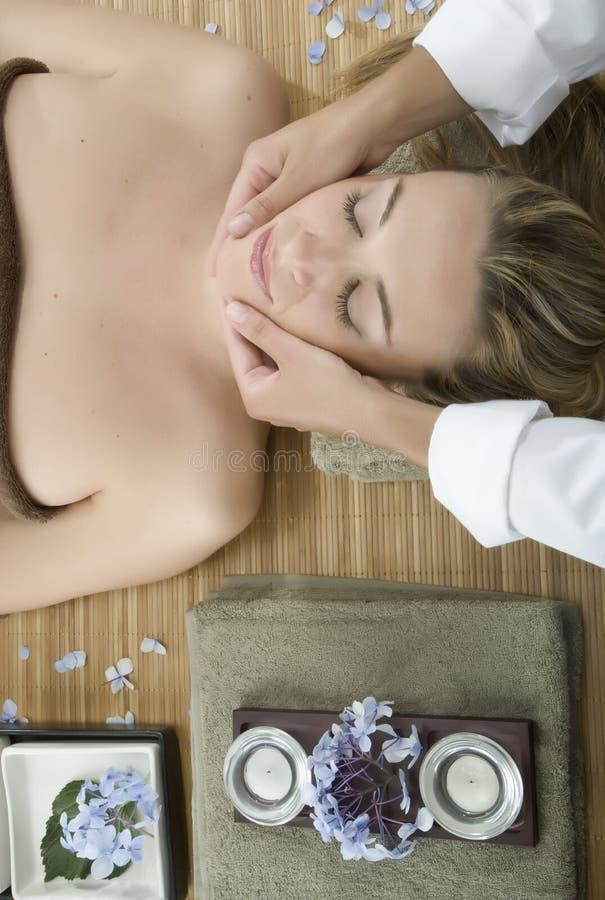 massageterapi royaltyfri fotografi