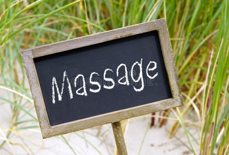 Massagezeichen auf Strand stockfoto