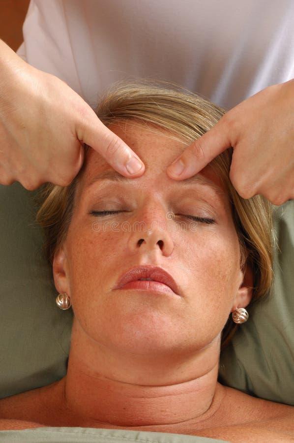 Massaggio capo della stazione termale immagine stock libera da diritti