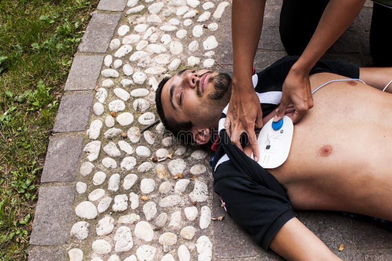 Massaggio cardiaco immagini stock