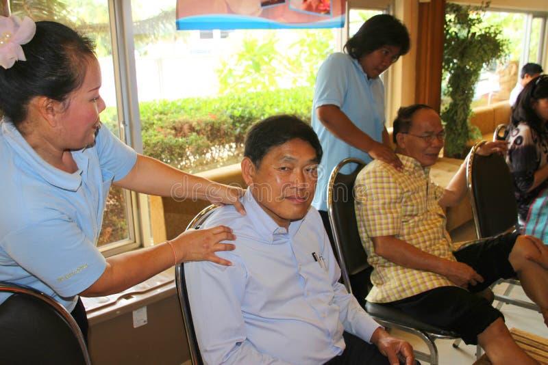Massaggio di reflessologia, trattamento del piede della stazione termale, Tailandia immagine stock