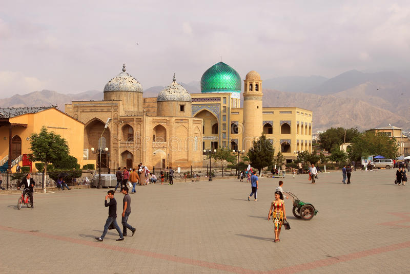 Massal广告声浪和madrasah回教族长陵墓在苦盏市,塔吉克斯坦 免版税图库摄影