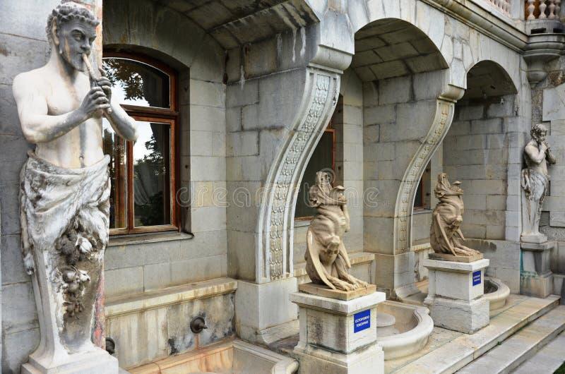 Massandra slottskulpturer arkivfoton