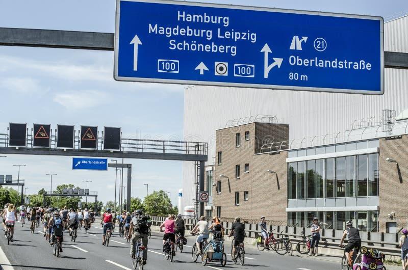 Masscykeldemonstration ADFC Berlin 2017 royaltyfri bild