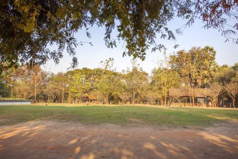 Massengräber am Tötungs-Feld, Choeng Ek, Vororte Phnom Penh, Kambodscha lizenzfreie stockbilder