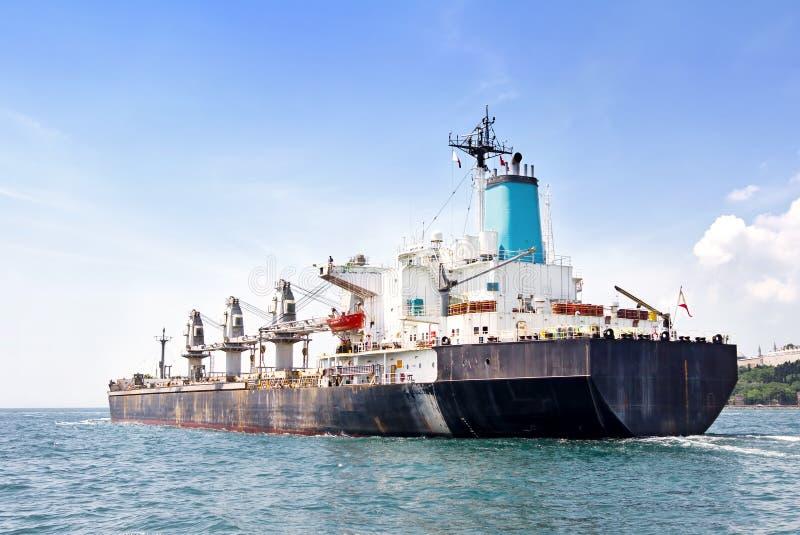 Massengutfrachter-Frachtschiff lizenzfreie stockfotos