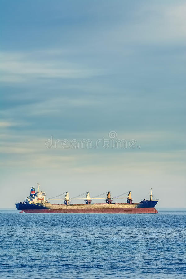 Massengutschiffschiff lizenzfreies stockbild