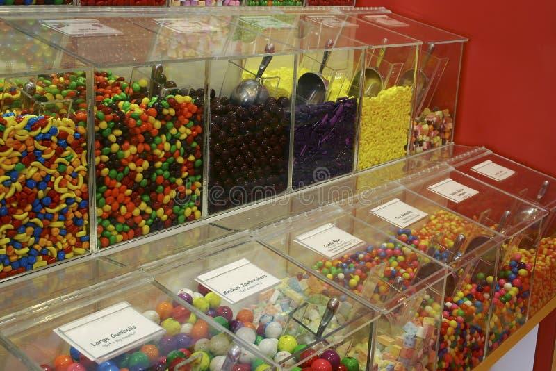 Massensüßigkeit-Stauräume mit Süßigkeit stockbild