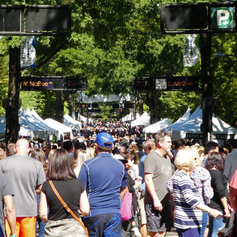 Massenszene am Fall für Greenville 2018 stockbilder