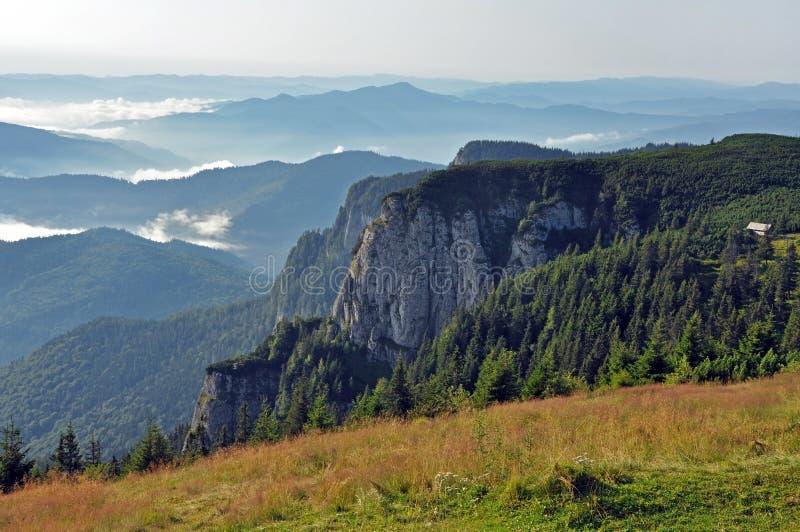 Massif de Ceahlau, Carpathiens orientaux, Moldau, Roumanie image libre de droits