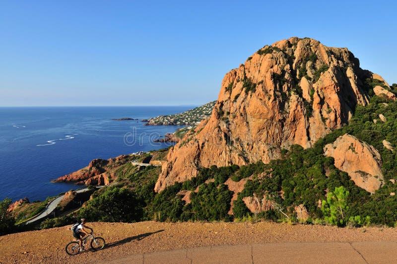 Massif de l Esterel faisant du vélo, Provence, France images stock