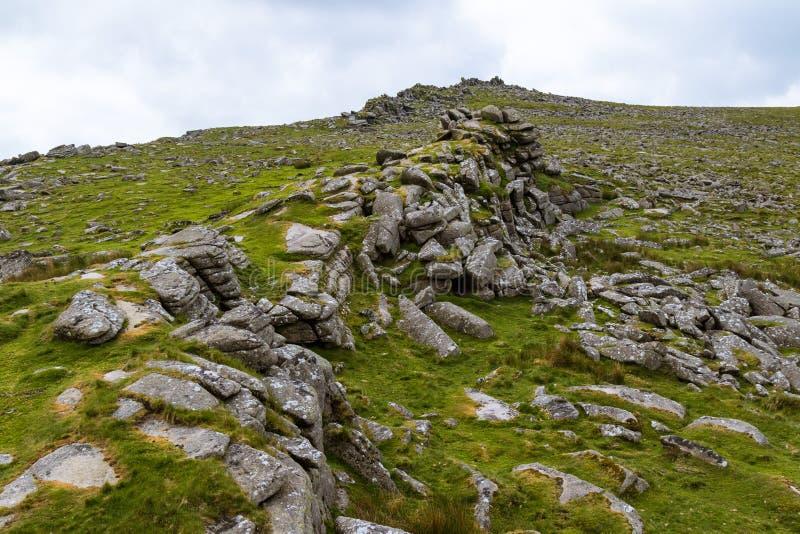 Massif de roche de Belstone sur Dartmoor images stock