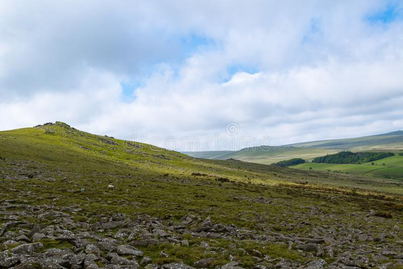 Massif de roche de Belstone sur Dartmoor photographie stock