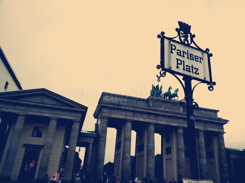 Massif de roche de Brandeburger, Pariser Platz - Berlin photographie stock libre de droits